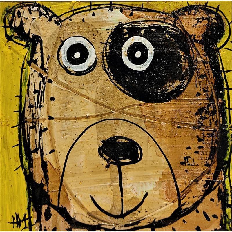 Ours sur fond jaune